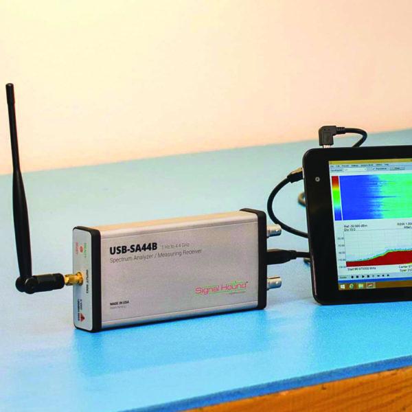 USB-анализатор спектра SA44B компании Signal Hound