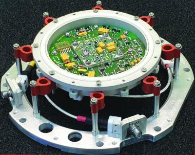 Внешний вид ПАВ-генератора (верхняя крышка не показана)