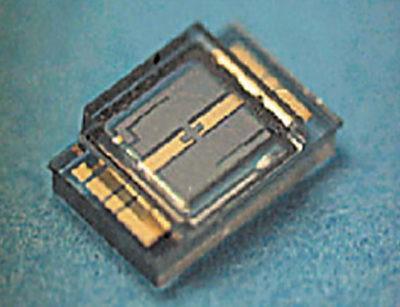 МЭМС-переключатель фирмы Omron, герметизированный стеклянной пластиной